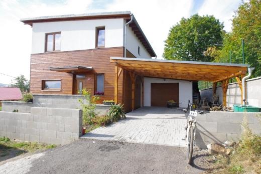 Výstavba rodinného domu bystřany po realizaci 01